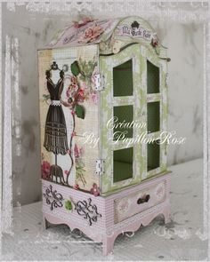 sweet shabby armoire miniatures, altered jewelry, jewelry armoire, miniatur hanger, mini albums, box, altered art, alter lovely, scrapbook