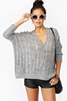 Suéter tejido & shorts.