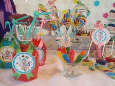 Dulces, caramelos, sweet, lolipop. Candy Bar. Circus party http://antonelladipietro.com.ar/blog/2012/03/payasos-en-el-cumple/