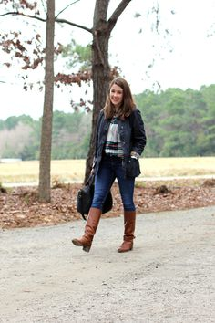 Liz from Sequins  Stripes wears a Barbour Beadnell Jacket Barbour Jacket.
