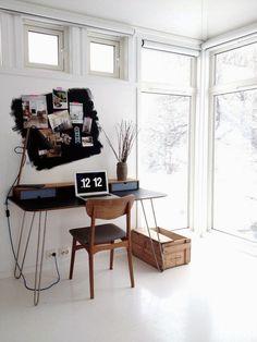 Monday desk love