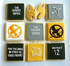 Cute Hunger Games cookies. I love how it says team katniss