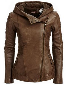 Perfect leather jacket. Okay, so cute!