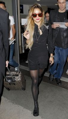 Vanessa hudgens black pantyhose apologise, but