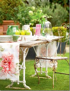 English Garden, love the table and chair