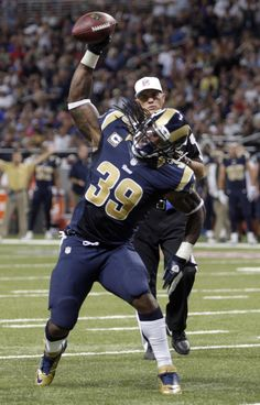 WAS v STL 09-16-12 ~ Steven Jackson spiking the ball after a touchdown