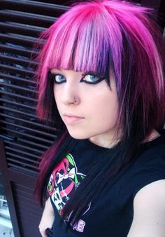 Black pink and purple hairdo. Love it !