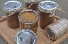 Pumpkin Bread in a Jar | fall classic pumpkin bread.  This recipe is a great way to use up any leftover squash you may have from Thanksgiving, or even try sweet potatoes!