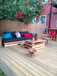 Terrasse exterieure en palettes / Outdoor deck with pallets #Bar, #Pallets