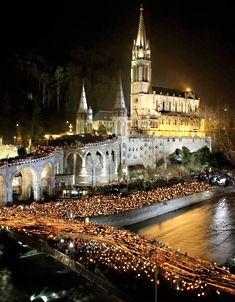 Candlelight procession at Lourdes. de lourd, old catholic churches, faith, candlelight process, cathol treasur, lourdes france, place, aaaol lourd, global church