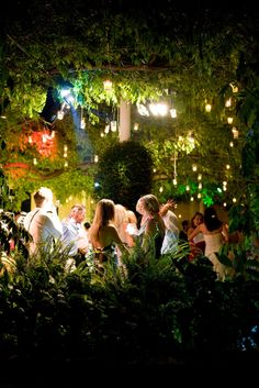 Enchanted forest woodland wedding reception décor decoration ideas - Visit wedding décor direct for more wedding theme ideas - http://www.weddingdecordirect.co.uk/