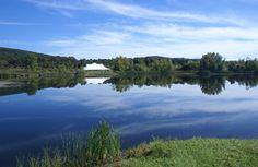Indian Ridge lake with boats
