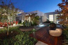Cool House Garden