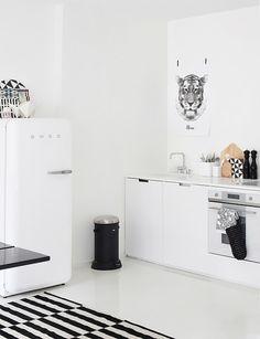 I Heart Shabby Chic: I Heart Shabby Chic - White Kitchen Heaven 2012