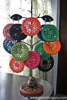 crochet earrings via Gantsilyo: Crochet in the Philippines and Trey Ajusto