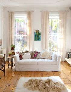 desire to inspire - slipcoveredsofas - light and bright living room