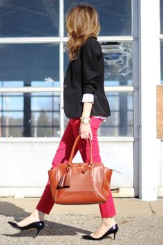 Black blazer and red pants cloth, black blazer, brenda style, ankl pant, red pants outfit work, blazers, red pants work, work outfits, bags