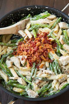 Creamy chicken, asparagus and bacon pasta