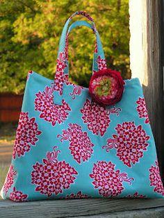 Riley Blake Designs --  Jane Bag Tutorial-lined w/lots of inside pockets
