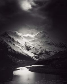 andy lee iceland 9 Breathtaking Black And White Photos Of Icelandic Landscapes