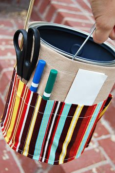 Could easily be adapted for toting around my minuscule card making supplies when I go to a friend's house.