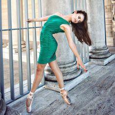 Elise Gillum. Photo by Oliver Endahl of Ballet Zaida