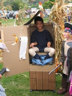 Outhouse Halloween Costume   HILARIOUS