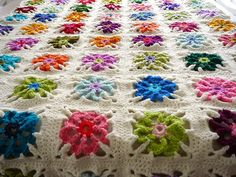floweri blanket, crochet granny squares, crochet squares, afghan, floweri granni, color floweri, blanket patterns, granni squar, blankets