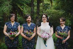 Bridesmaids in print dresses! Loving.