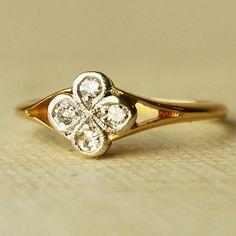 Edwardian Antique 18K Gold Diamond Clover Ring.