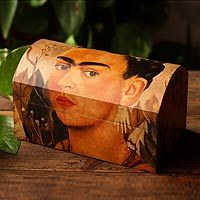 Decoupage chest, by Ana Maria Gonzalez