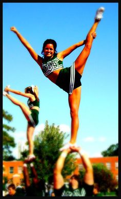 <3 love cheerleading <3