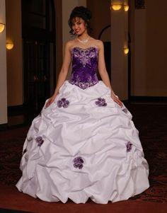 Elegante vestido en violeta y blanco - Elegant dress in purple and white