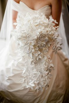 ☛ PAPER bridal bouquet by Bohemian Bloom. bohemianbloom.com ツ