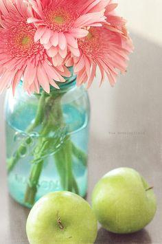 I love aqua mason jars! <3