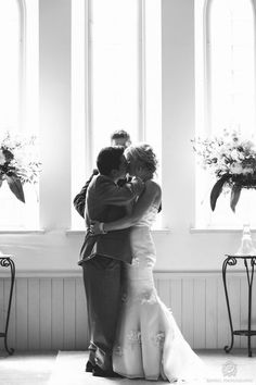 sweet moment - Toronto Wedding from Rowell Photography