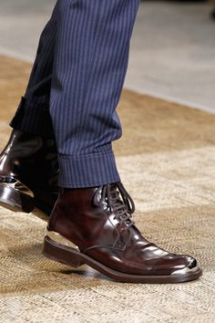 Incredible shoes with metal details, Louis Vuitton