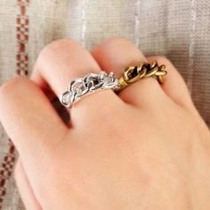 A fabulous fashionable ring that you can make yourself.