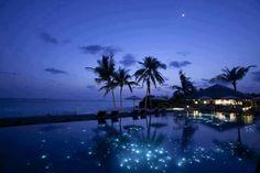 Maldives at night - Island of Huvafen Fushi