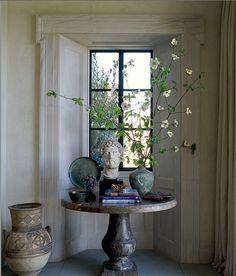 interior design, detail, elle decor, vignett, table styling, architecture interiors, foyer, window treatments, black windows