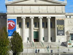 Field Museum, Chicago, and the King Tut Exhibit