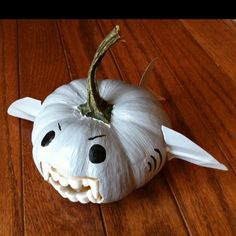 Martha Stewart's Halloween pumpkin decorating idea - with a twist:  Sure, vampires are scary... but sharks are terrifying :)