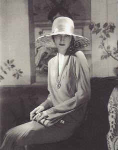 Edward Steichen - Lanvin hat, Vogue, 1928