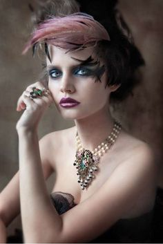 Victorian Jewelry -makeup