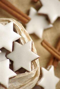 christmas baking: zimtsterne (cinnamon stars)