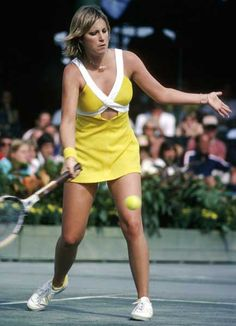 Chris Evert wore the best tennis dresses ever. This was my favourite.