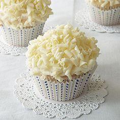 White Linen Cupcakes - Cupcake Fanatic
