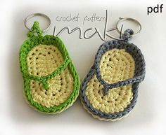 Ravelry: FREE CROCHET PATTERN! Key chain flip-flop pattern by Maja Masar. ☀CQ #crochet #applique  http://pinterest.com/CoronaQueen/crochet-applique-corona