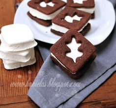 fantastic looking ice cream sandwich cookies for fall from @Hanielas