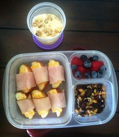 MOMables office lunch: apple, Colby Jack & ham wraps, trail mix, berries and yogurt. #lunchrevolution